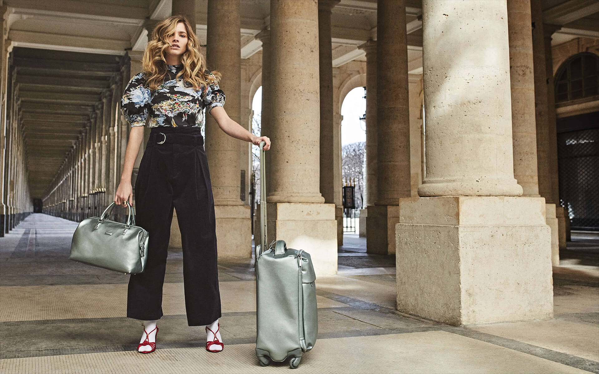 Miss Plume - ¡Únete a la moda metálica!